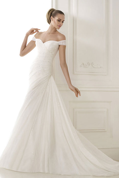 Pronovias lulu 39 s bridal for Wedding dresses in dallas tx for cheap