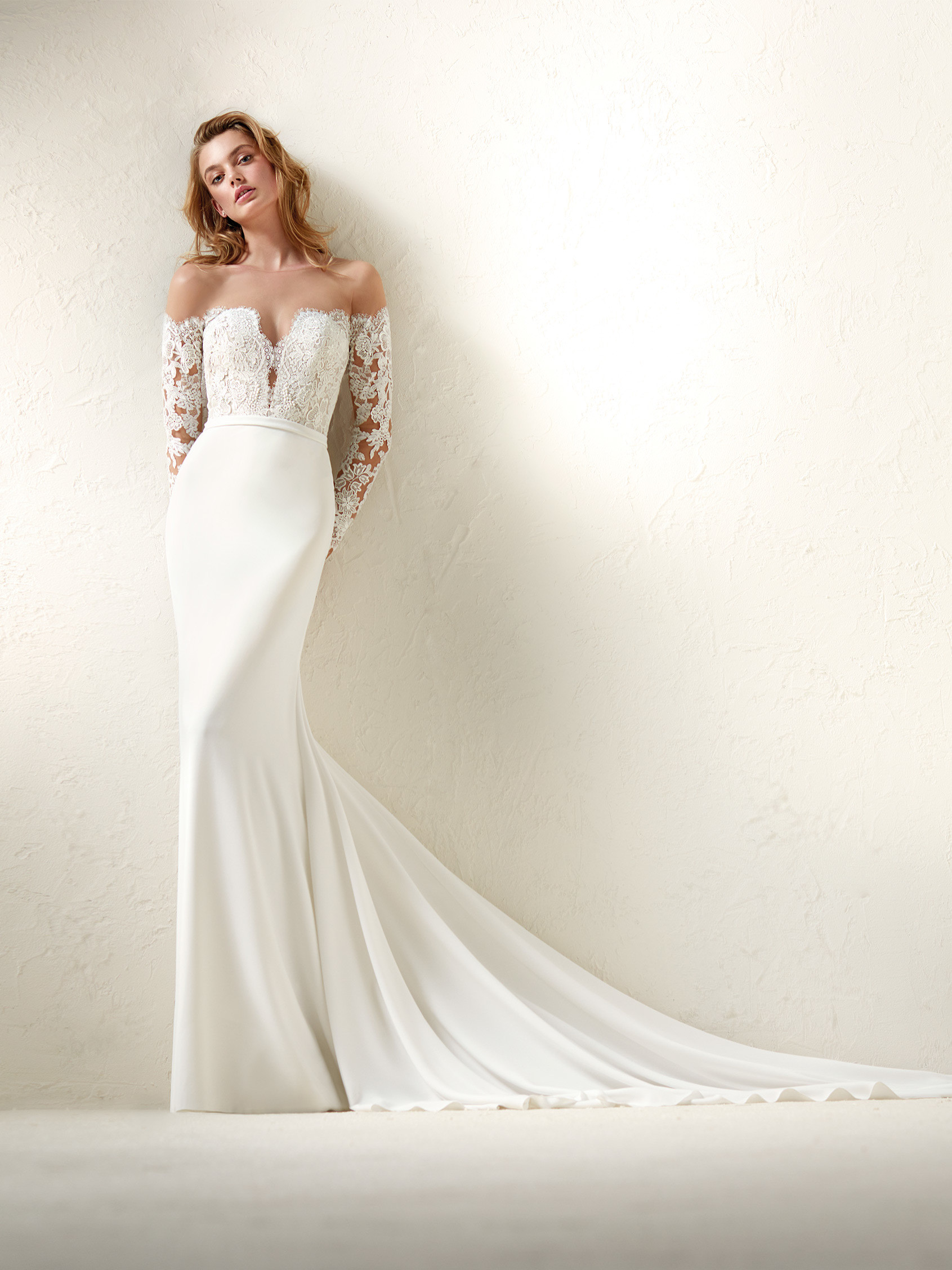 This Beautiful Crew Off The Shoulder One Of A Kind Wedding Gown Has Recently Graced Us With Its Presence At Lulus Bridal And Is Waiting For You To E: Lulus Beaded Bodice Wedding Dress At Websimilar.org